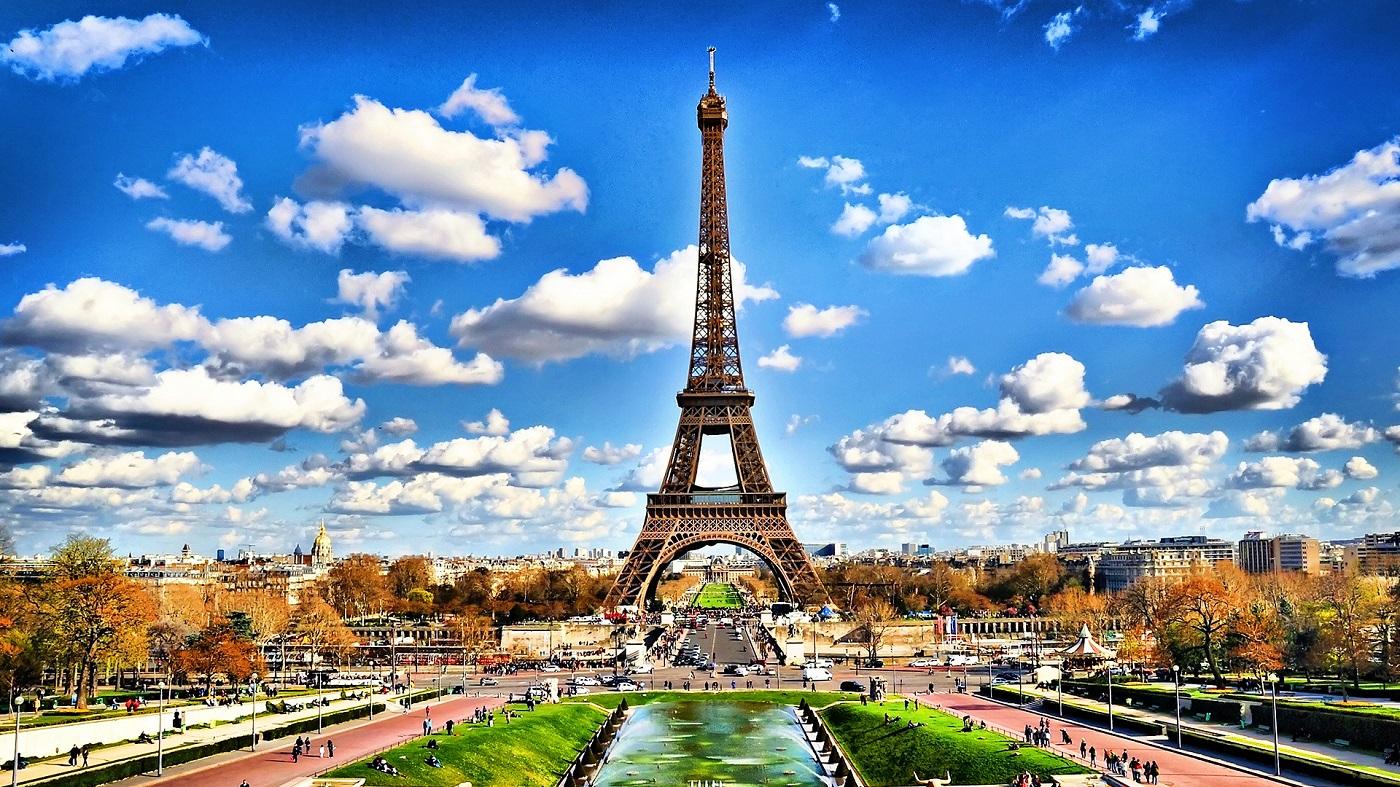 Turnul Eiffel, structura ce întregește peisajul parizian