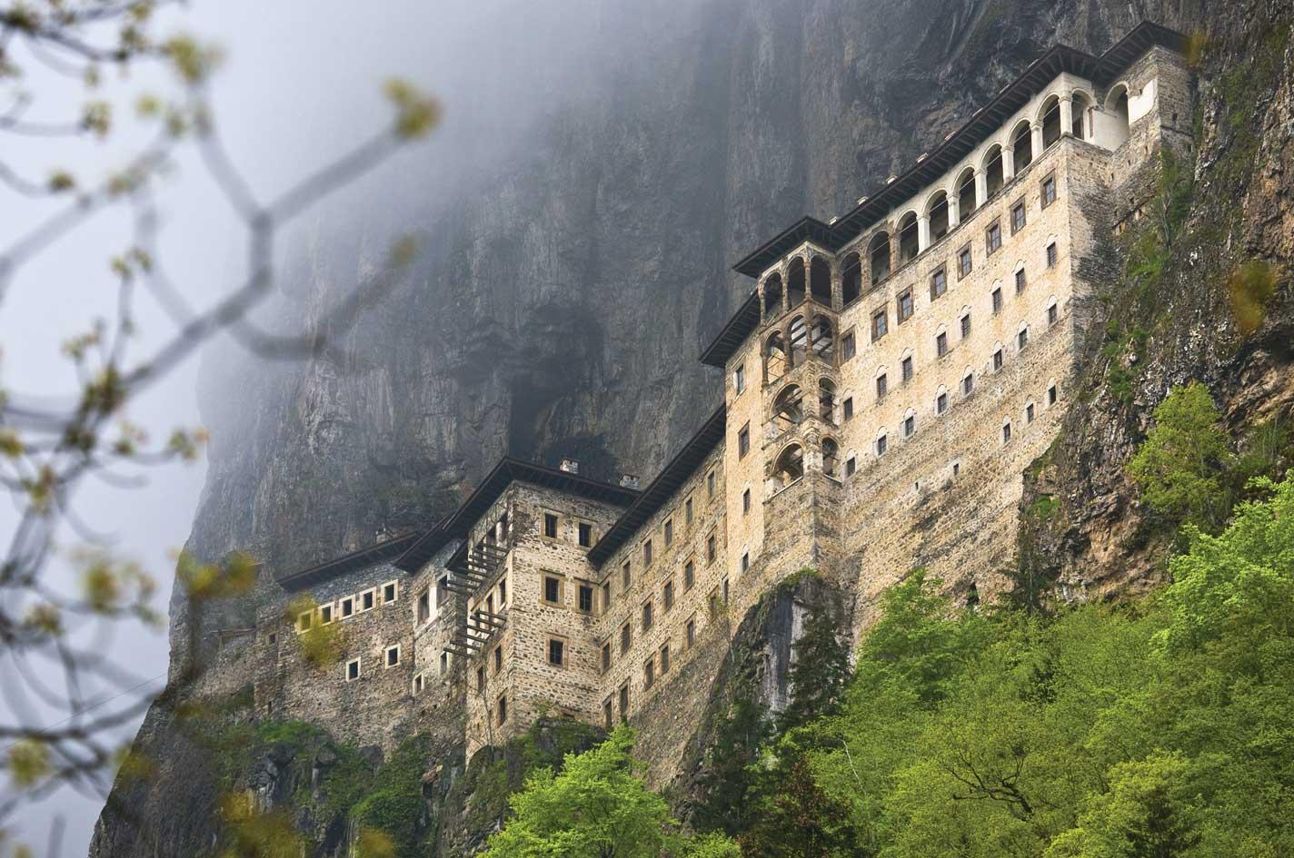De-a lungul anilor, complexul monahal a fost renovat de mai multe ori