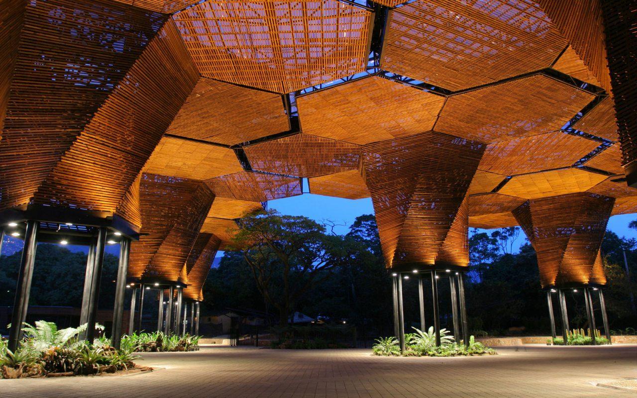 Grădina botanică impresionează cu decorațiunile moderne