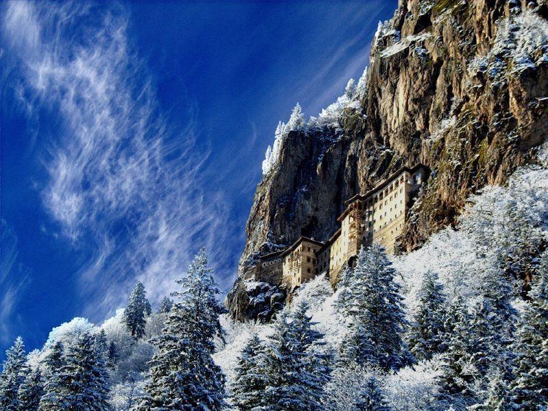 Lăcașul de cult, iarna