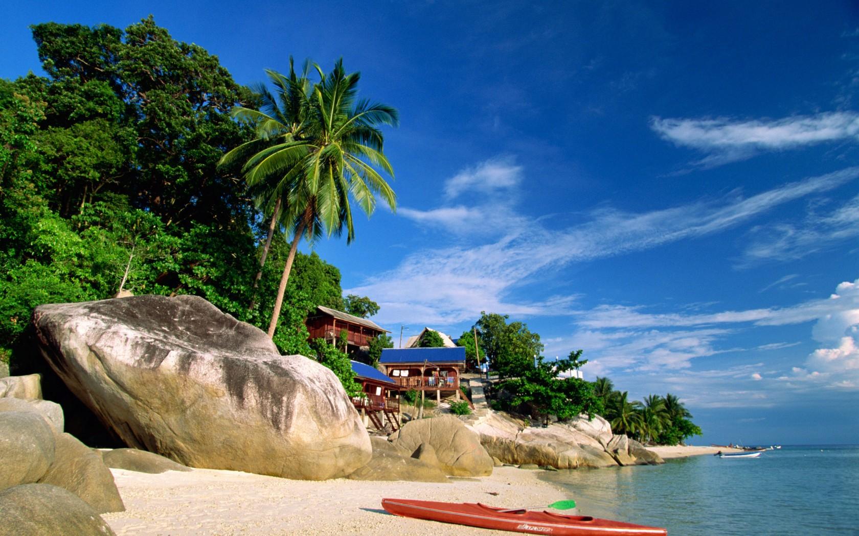 Plimbările cu caiacul- una dintre cele mai populare activități de pe insule