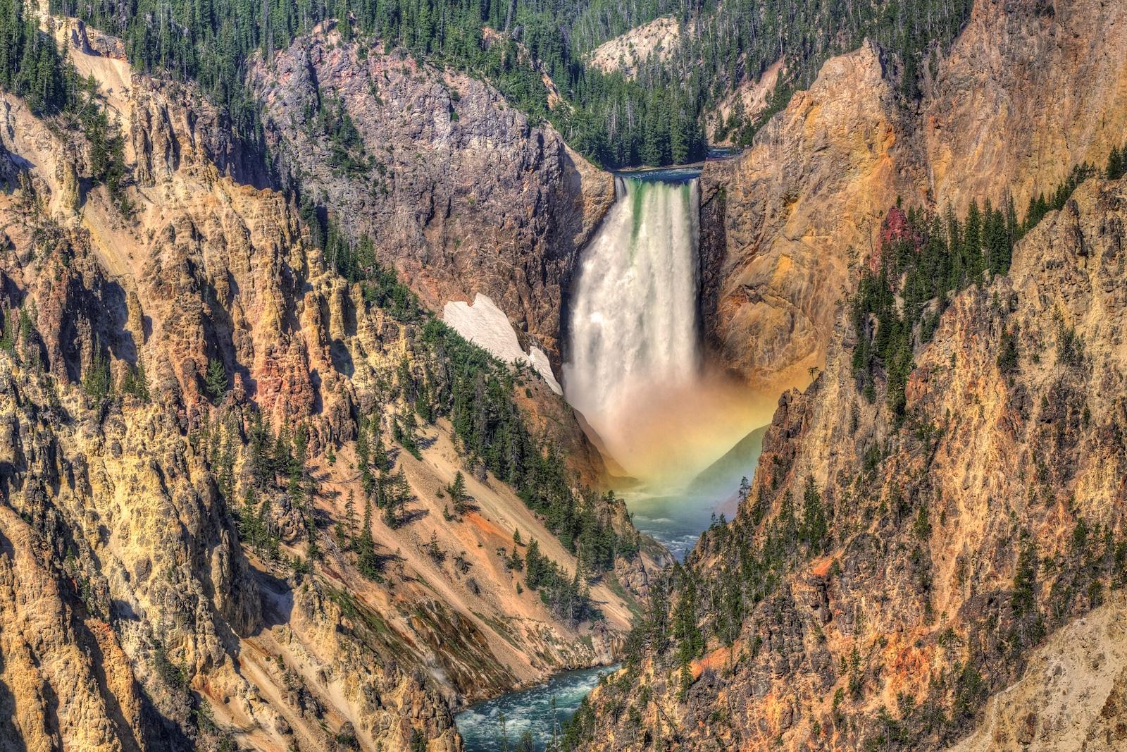 Spectacolul naturii, întregit de curcubeul multicolor
