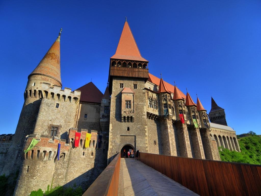 Castelul Corvinilor, o construcție fascinantă!