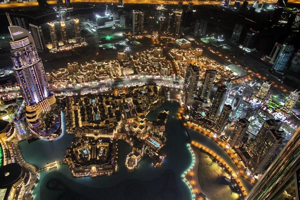 Dubaiul văzut de la etajul 124 al clădirii