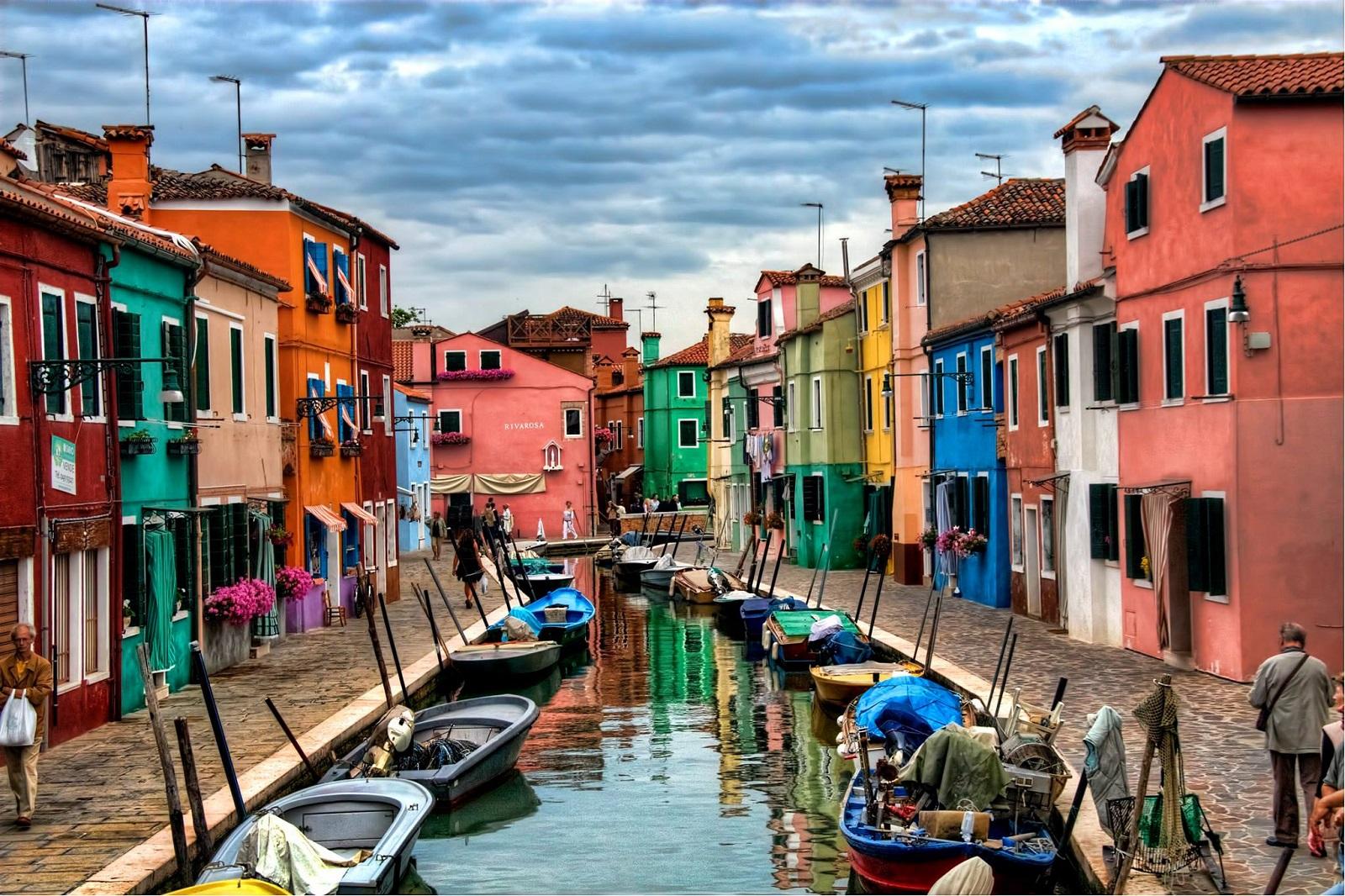 Insula Burano, Italia