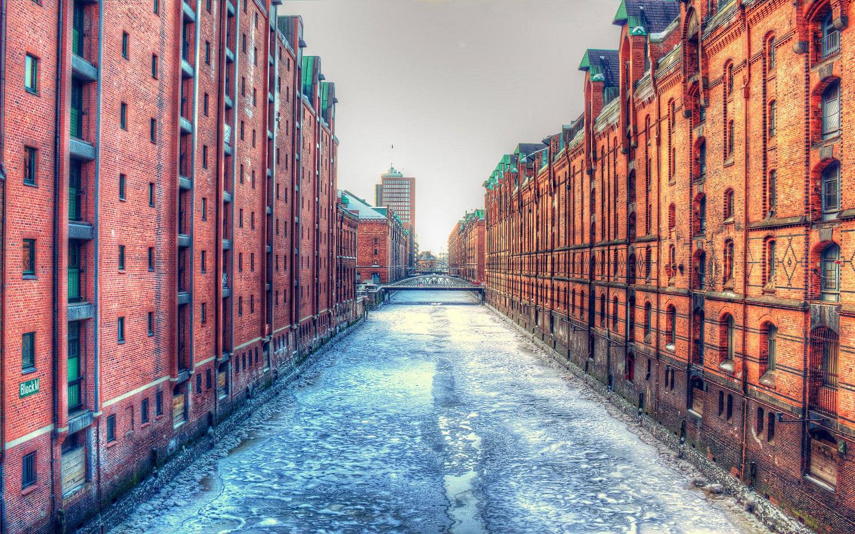Canalele orașului sunt o încântare pentru turiști