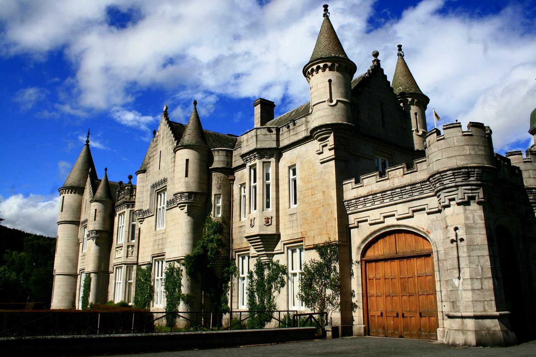 Castelul este o capodoperă arhitecturală inestimabilă