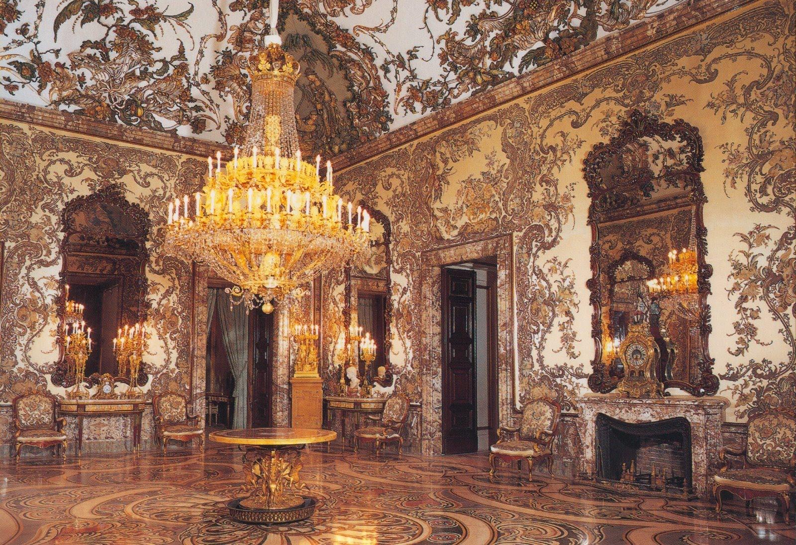 Interiorul este de o frumuseţe aparte