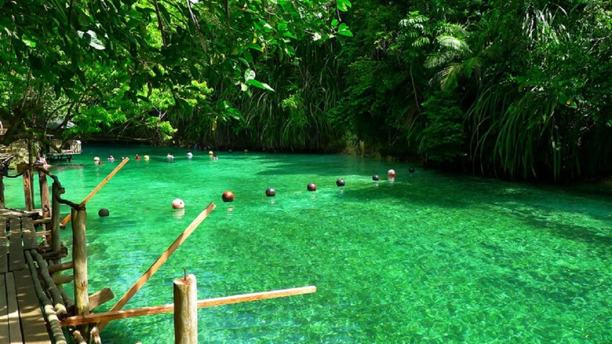 Piscine naturale pe Râul Hinatuan
