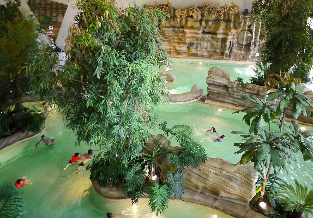 Aquariaz - Un Aqua Park în inima Alpilor Francezi