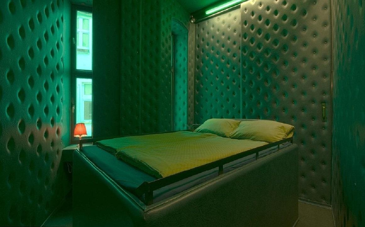 """""""Camera cavou"""" - una dintre cele mai ciuadte camere de hotel din lume"""