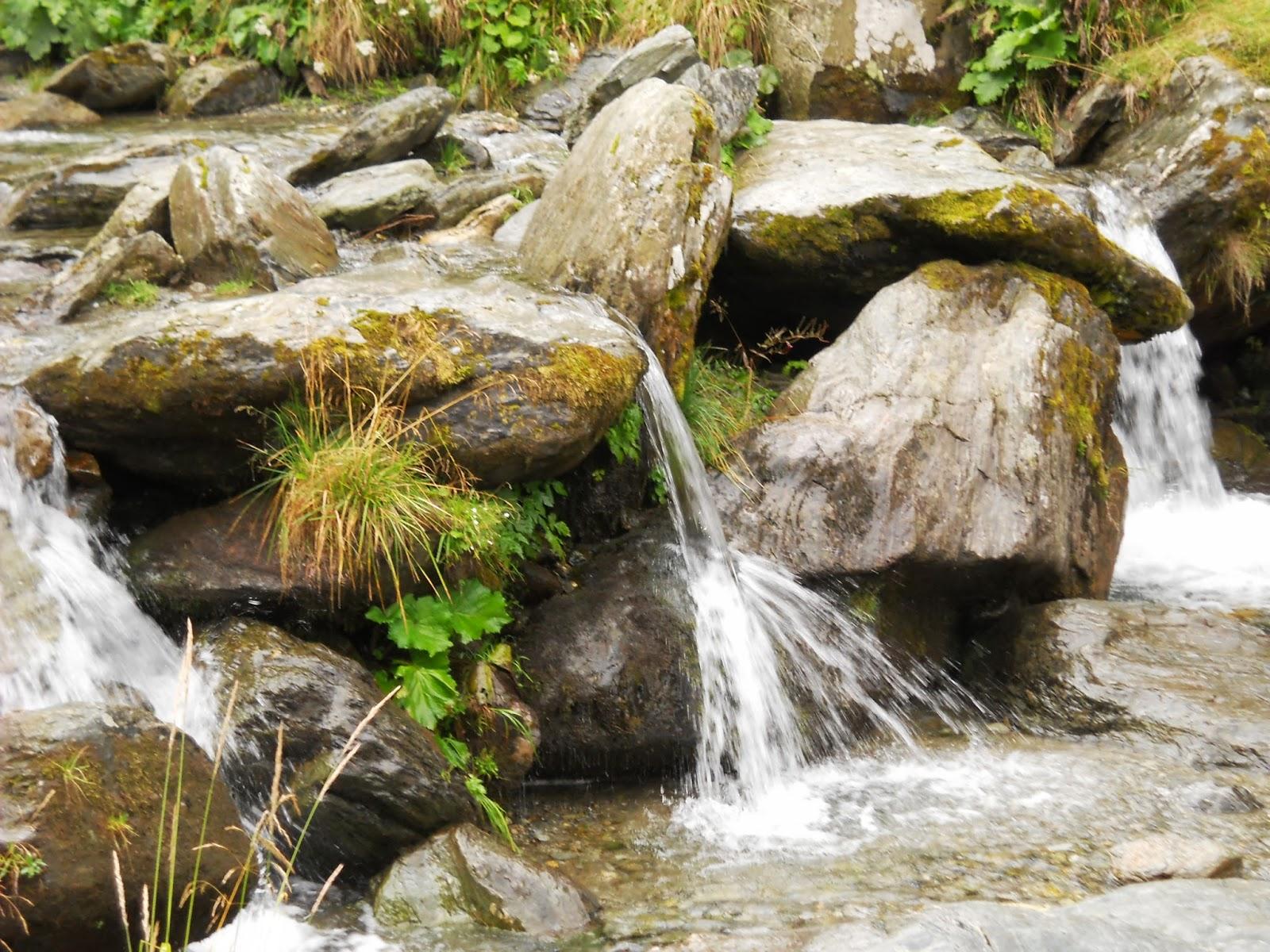 Cascada este vizititată mai ales în sezonul cald