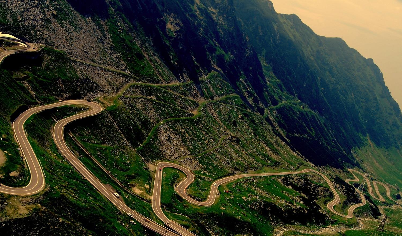 Cel mai rapid ajungi la cascadă la Transfăgărăşan