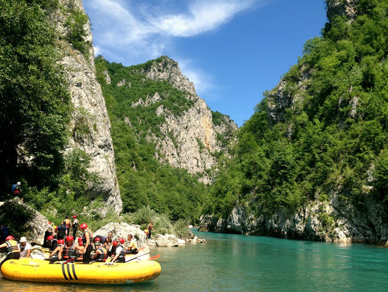 Raftingul, sport naţional în Muntenegru