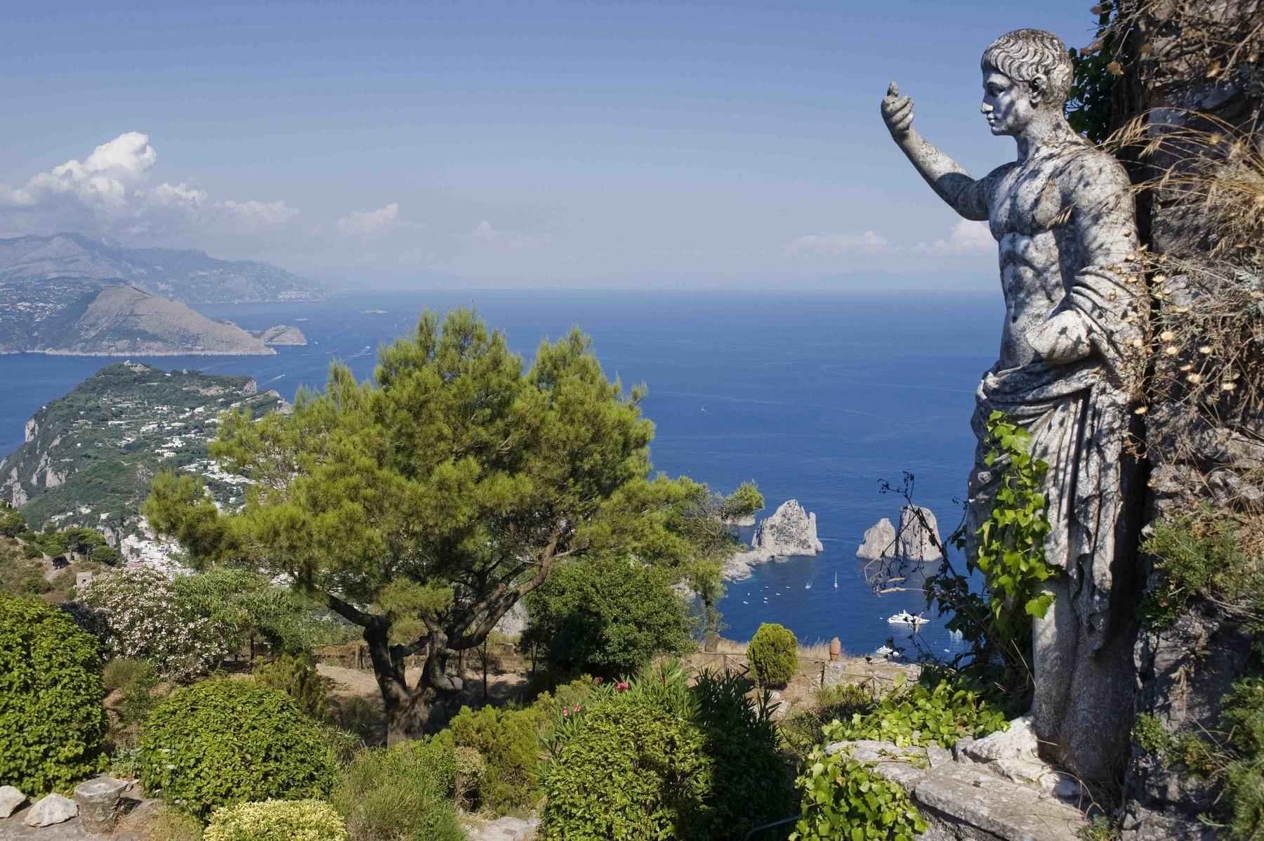 Statuetă de pe Monte Solaro