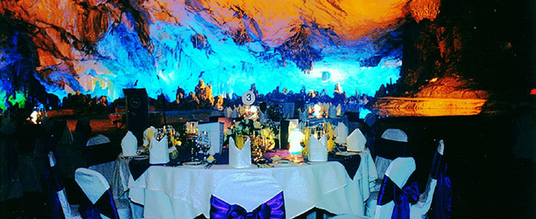 Restaurantul din interiorul peșterii