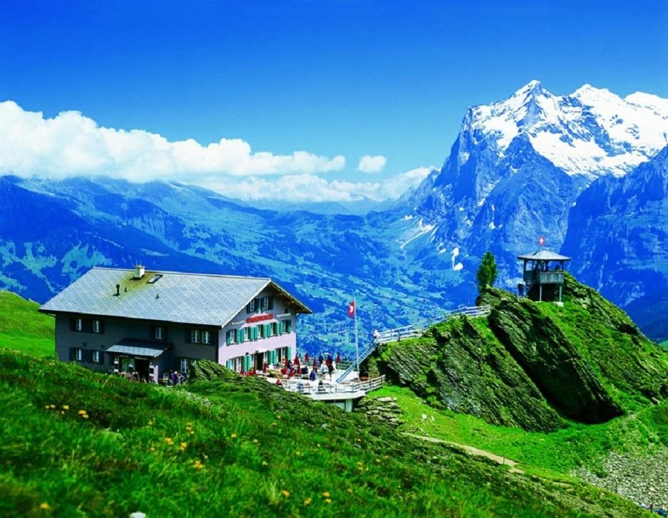 Cabană din Masivii Oberland, Elveția