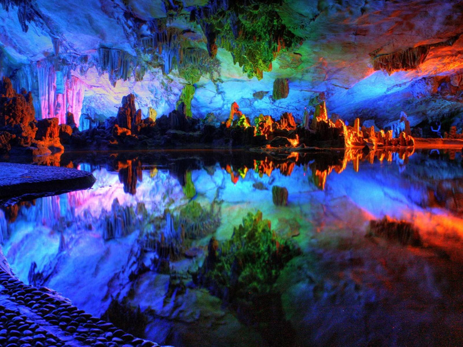 Peștera Curcubeu - Vedere interioară