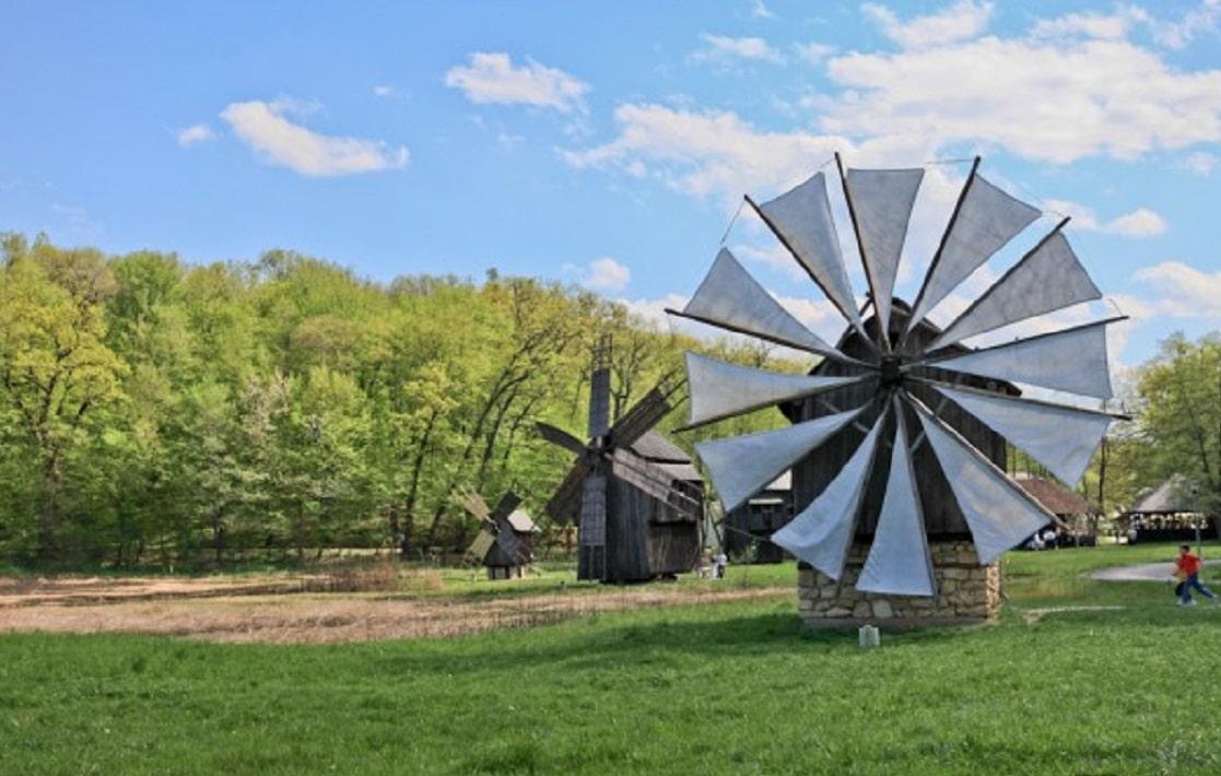 Mori de vânt expuse la Muzeul Civilizației Populare Tradiționale ASTRA din Sibiu